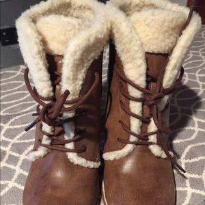 Sherpa lines booties